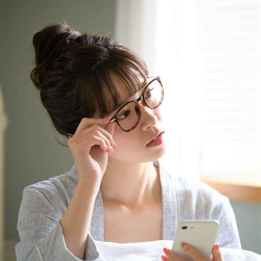 鼻が低くてメガネが落ちてしまう人必見の鼻眼鏡!