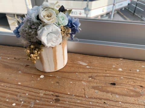 スティードトーキョーの待機スペースのお花