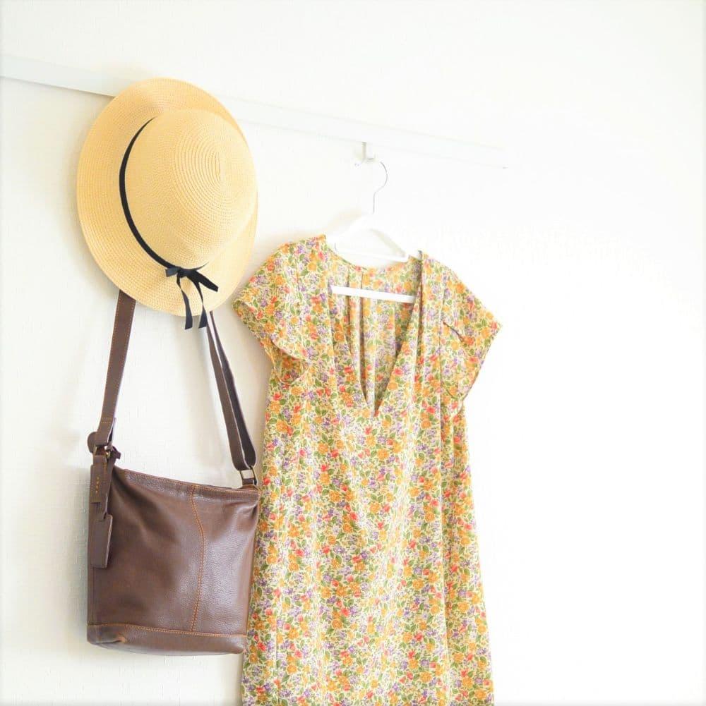 洋服をオシャレに見せる壁掛け収納①