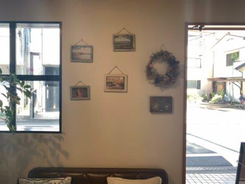 リフレーブの店内の壁部分