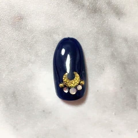 セリアジェルのセルフジェルネイルの薬指