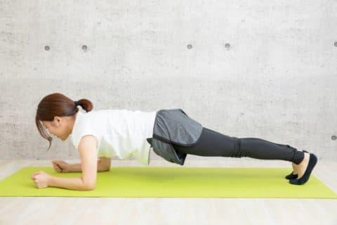 自宅で腹筋を短期間でキレイに割る鍛え方を教えて!